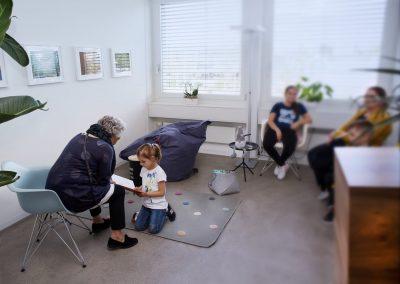 Kindersprechstunde   Dr. med. Dominique Mustur   Augencenter Wollishofen (Zürich)